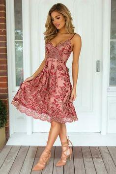 Vestido curto vermelho estampado