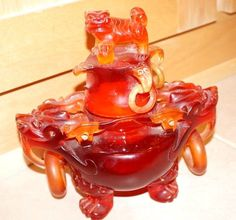 Asian Red Cherry Amber CHINESE HAND CARVED AMBER FOO DOG COVERED URN