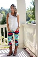 Aztec Leggings a Fall must have!  www.pinkcherrytrees.com