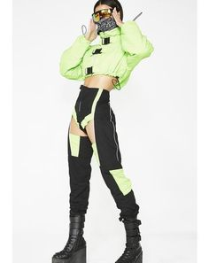 fashion for women over 40 Fashion Week, Fashion Outfits, Womens Fashion, Steampunk Fashion, Gothic Fashion, Cyberpunk Fashion, Inspiration Mode, Future Fashion, Mode Vintage
