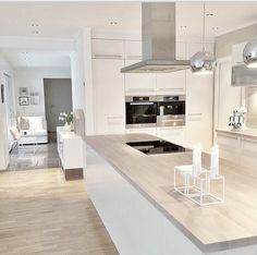 38 The Best Modern Scandinavian Kitchen Inspirations - Popy Home Kitchen Inspirations, Kitchen Cabinet Design, Luxury Kitchens, White Kitchen Design, Home Kitchens, Kitchen Remodel, Trendy Kitchen, Modern Kitchen Design, Nordic Kitchen