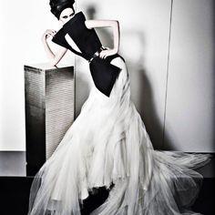 STEPHANE ROLLAND https://www.fashion.net/stephane-rolland #stephanerolland_paris #fashion #fashionnet #mode #moda #style #model #designers