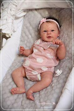 ❤️❤️omg an a amazing sculpture Bb Reborn, Reborn Baby Girl, Reborn Dolls, Ooak Dolls, Silicone Reborn Babies, Silicone Baby Dolls, Cute Little Baby, Cute Babies, Real Life Baby Dolls
