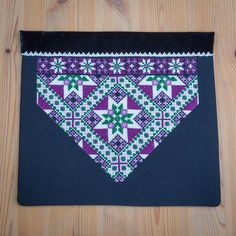 Palestinian Embroidery, Crochet Bedspread, Bead Crochet Rope, Star Patterns, Diy And Crafts, Cross Stitch, Textiles, Symbols, Beads