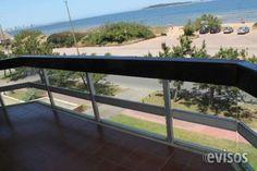 Apartamento frente al mar con hermosa vista a Isla Gorriti.-  Amplio balcón, living comedor con vista al mar,  ..  http://punta-del-este.evisos.com.uy/apartamento-frente-al-mar-con-hermosa-vista-a-isla-gorriti-id-328321