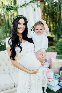 Vestidos que la futura mamá puede usar en su baby shower
