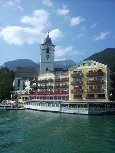 """De """"Weisses Rössl"""" Hotel St Wolfgang Oostenrijk , hier werd de operette Im weissen Rössl opgenomen."""