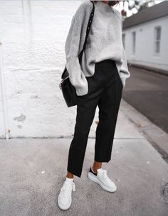 Oversized grey sweater neat black trousers Stan 2019 Oversized grey sweater neat black trousers Stan The post Oversized grey sweater neat black trousers Stan 2019 appeared first on Sweaters ideas. Fashion Mode, 90s Fashion, Look Fashion, Autumn Fashion, Fashion Outfits, Womens Fashion, Fashion Clothes, Hipster Style Clothes, Latest Fashion