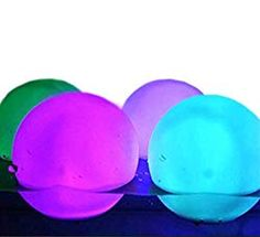 Floating Pool Lights - Spectacular, Subtle or Simple Floating Lights Floating Pool Lights, Floating Balloons, Balloon Lights, Outdoor Party Lighting, Lighting Ideas, Outdoor Decor, Diy Pool, Pool Fun, Pool Candles