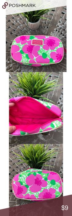 Lily Pulitzer makeup bag Brand new lily Pulitzer Estée Lauder makeup bag. Lilly Pulitzer Makeup
