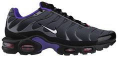 Even after all of these years, Nike still manages to churn out hot new colorways of the Nike Air Max Plus, and this new Black/Pure Purple colorway is a perfect example. This pair has received a mostly black upper with … ↓ Read the rest of this entry. Nike Tn, Nike Air Max Tn, Nike Air Max Plus, New Sneakers, Air Max Sneakers, Sneakers Nike, Air Jordan, Jordan Shoes, Basket Style