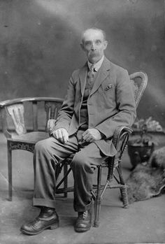 Debby's Family Genealogy Blog: Photo Friday-Mystery Man, Who Are You? Solving a…