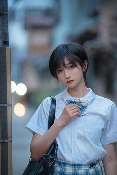 Asian Short Hair, Girl Short Hair, Short Girls, Cute Young Girl, Cute Girls, Korean Girl, Asian Girl, Female Pose Reference, Shot Hair Styles