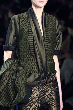 Haider Ackermann, Fall 2016 Ready-to-Wear Collection kleider zeichnen 18 Times You Were Completely Obsessed With the World's Ugliest Color Look Fashion, Fashion Details, Runway Fashion, High Fashion, Fashion Show, Womens Fashion, Fashion Design, Fashion Trends, Paris Fashion