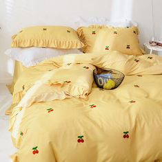 Fashion Cherry Bedding Set ●Note :The bedding set has one duvet cover with no filling,one bed sheet and pillowcase. ●Tip:You can choose the size of the bedding set according to the size of the quilt. Cute Bed Sheets, Yellow Bed Sheets, Cute Bedroom Decor, Girl Bedroom Designs, Aesthetic Room Decor, Dream Rooms, My New Room, Bed Spreads, Bedding Sets