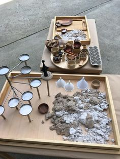 Educational Activities For Kids, Outdoor Activities, Curiosity Approach, Reggio Emilia Approach, Reggio Inspired Classrooms, Tuff Tray, Sand Play, Play Based Learning, Outdoor Learning