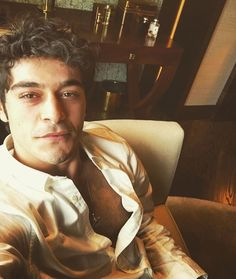 waiting for his wifey Turkish Men, Turkish Beauty, Turkish Actors, Cute Love Stories, Love Story, Murat And Hayat Pics, Man Crush Everyday, Lovely Smile, First Love