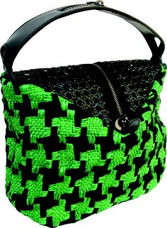 Pocker bag in handwoven fabric donna green with black straw. zipper detail.