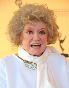 """Phyllis Diller Photo - Academy Of Television Arts & Sciences Presents """"From Stand-Up To Sitco Funny Links, Phyllis Diller, Smart Women, I Love Lucy, College Humor, Comedians, Funny Pictures, Hollywood, Actresses"""