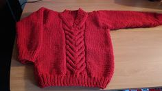 Curso de tejido a mano: Pullover escote V para niño. Knitting For Kids, Baby Knitting, Pullover, Sweaters, Bb, Disney, Fashion, Baby Outfits, Kids Knitting Patterns