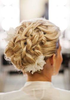 Pretty Long Hair Wedding Hairstyle – Elegant & Lasting