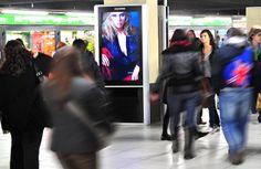 Milan Underground, Central Station: #DigitalSignage system by #DOOH_IT