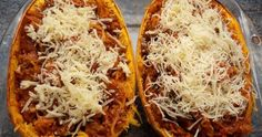 How to work Bolognese, spaghetti, squash at home and in a short time Do you know this impressive squash, the spaghetti squash? A little pond. Spaghetti Bolognaise, Courge Spaghetti, Vegetarian Spaghetti, Zucchini Spaghetti, Bolognese, Yummy Food, Yummy Recipes, Clean Eating, Veggies