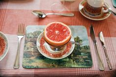 What's for breakfast? Grapefruit By Martin Parr, 2008 Martin Parr, William Eggleston, Documentary Photographers, Great Photographers, Magnum Photos, Mushy Peas, Ice Cream Van, Color Photography, Street Photography