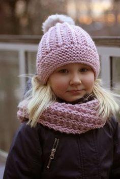 Soppaa ja silmukoita: Tupsupipo-ohje hieno blogg Baby Hat Knitting Pattern, Crochet Baby Beanie, Crochet Kids Hats, Knitting For Kids, Loom Knitting, Free Knitting, Knitted Hats, Elf Hat With Ears, Crochet Ruffle