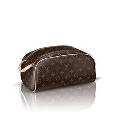 King size Toiletry Bag via Louis Vuitton Travel Purse 8a84cfe65b7e7