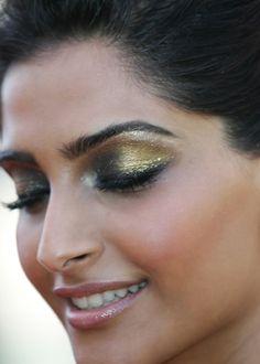Sonam makeup Google Image Result for http://corallista.com/wp-content/uploads/2011/05/sonam-kapoor-makeup-jean-paul-gaultier-white-dress-cannes-film-festival-1.jpg