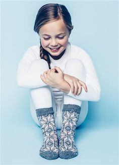 Tema 42: Modell 26 Selbu sokker #strikk #knit #selbu Sock Knitting, Knitting For Kids, Kids Outfits Girls, Girl Outfits, How To Purl Knit, Kids Wear, Arm Warmers, Mittens, Little Ones