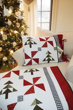 Christmas Quilt Patterns PDF and FREE Pillow Sham Pattern Easy Farmhouse Christmas Tree Quilt Pattern – Famous Last Words Quilting Beads Patterns Simple Christmas, White Christmas, Xmas, Scandinavian Christmas, Modern Christmas, Country Christmas, Christmas Tree Quilt Pattern, Christmas Present Quilt, Christmas Sewing