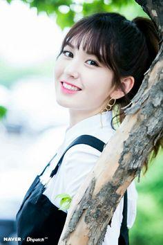 Tongue, straw and other stuff Cute Korean, Korean Girl, Kpop Girl Groups, Kpop Girls, My Beauty, Asian Beauty, Afro, Karbala Photography, Jeon Somi