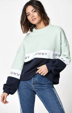 Hoodies and Sweatshirts for Women Tommy Hilfiger Mujer, Tommy Hilfiger Outfit, Tommy Hilfiger Sweatshirt, Tommy Hilfiger Women, Tommy Hilfiger Dresses, Tommy Hilfiger Jeans, Cute Lazy Outfits, Sporty Outfits, Trendy Outfits
