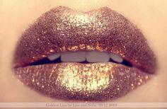golden sparkly lips
