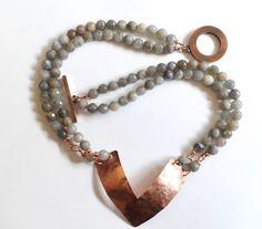 Labradorit - Labradorit Collier mit Kupfer Anhänger - ein Designerstück von tizianat bei DaWanda