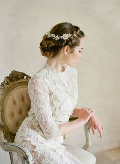 Royal wedding lovers take note, because thanks to the stylings of Joy Proctor Design and TEAM Hair And Makeup we've got just the inspiration to add a bit of reign to your Big Day. Serving up major wedding day glamour