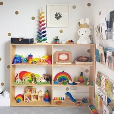 Help design the best playroom to keep the scattered toys in place. Take inspirations from the gender-neutral playroom ideas given below.