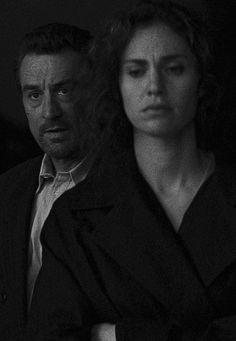 Robert De Niro and Amy Brenneman in the movie titled Heat
