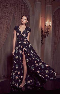 VESTIDOS CRUZADOS LARGOS PARA MUJERES PLUS SIZE Hola Chicas!!! La recomendación que les puedo hacer a la mujeres de medida plus size es que si van a comprar un vestido largo para esta primavera-verano 2015, la mejor opcion es comprar los vestidos largos cruzados que son una de la mejores decisiones para las mujeres plus size o mayores de 40 y 50 años