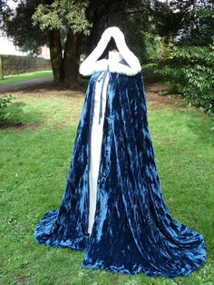 Crushed Velvet Cloak with Fur Edged Hood by MelanieBridal on Etsy, £160.00