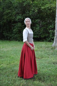 Discussion of kirtle/petticoat/bodies and how they changed over the 16th and into the 17th centuries
