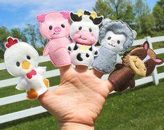 Farm Animal Finger Puppets Busy Bag Travel Game by BabyWhatKnots Felt Puppets, Felt Finger Puppets, Hand Puppets, Felt Crafts Kids, Preschool Crafts, Felt Quiet Books, Operation Christmas Child, Miniature Crafts, Felt Toys