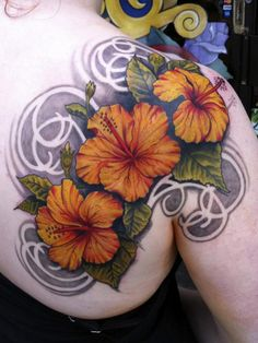 Flower tattoos are very common for girls. We see the popular use of hibiscus flower tattoos on many girls. The special hibiscus tattoo desi. Hawaiian Flower Tattoos, Hibiscus Flower Tattoos, Flower Tattoo Back, Small Flower Tattoos, Hawaiian Flowers, Flower Tattoo Designs, Hibiscus Flowers, Back Tattoo, Tattoo Flowers