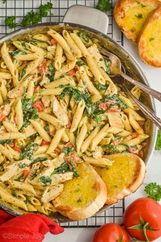 Tuscan Chicken Pasta is a delicious easy dinner that comes together in 30 minutes on the stovetop. Your family will love the rich flavors of this fast dinner. Tuscan Chicken Pasta, Chicken Pasta Recipes, Soup Recipes, Dinner Recipes, Chicken Alfredo, Baking Recipes, Creamy Potato Soup, Pasta Dinners, How To Cook Pasta