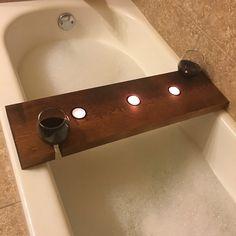 SoHo Wooden Bathtub Caddy in Western Red Cedar di QuirkyDachshund