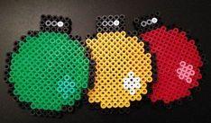 Christmas baubles coasters hama perler beads - no link Hama Beads Design, Diy Perler Beads, Perler Bead Art, Beaded Christmas Decorations, Christmas Perler Beads, Pearler Bead Patterns, Perler Patterns, 8bit Art, Peler Beads