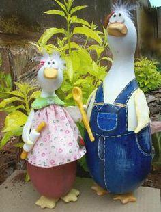 Martha and George Gourd Decorative Gourds, Hand Painted Gourds, Chicken Crafts, Chicken Art, Wine Bottle Crafts, Bottle Art, Light Bulb Crafts, Diy And Crafts, Arts And Crafts