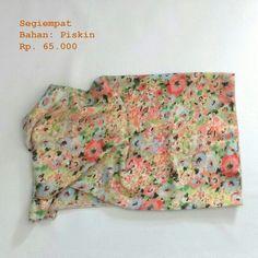 Square scarf  Fabric/Bahan : Piskin  IDR 65.000 Size : 115 cm x 115 cm